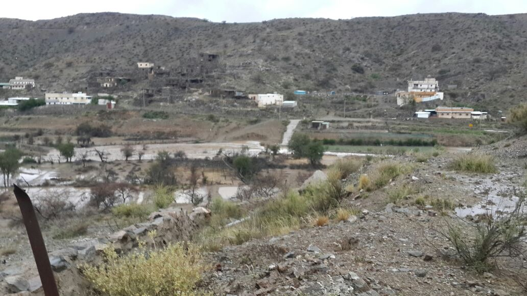 من امطار بني مالك على قري شوقب اليوم السبت 1437/6/24 CfDrR2-WwAALBa5