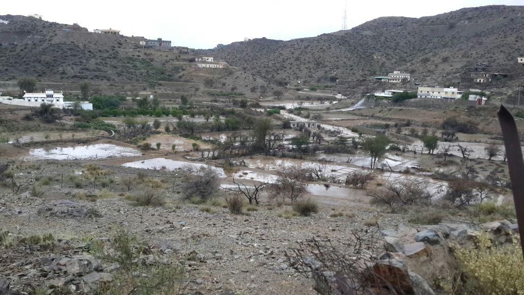 من امطار بني مالك على قري شوقب اليوم السبت 1437/6/24 CfDsysVW8AAtqK3