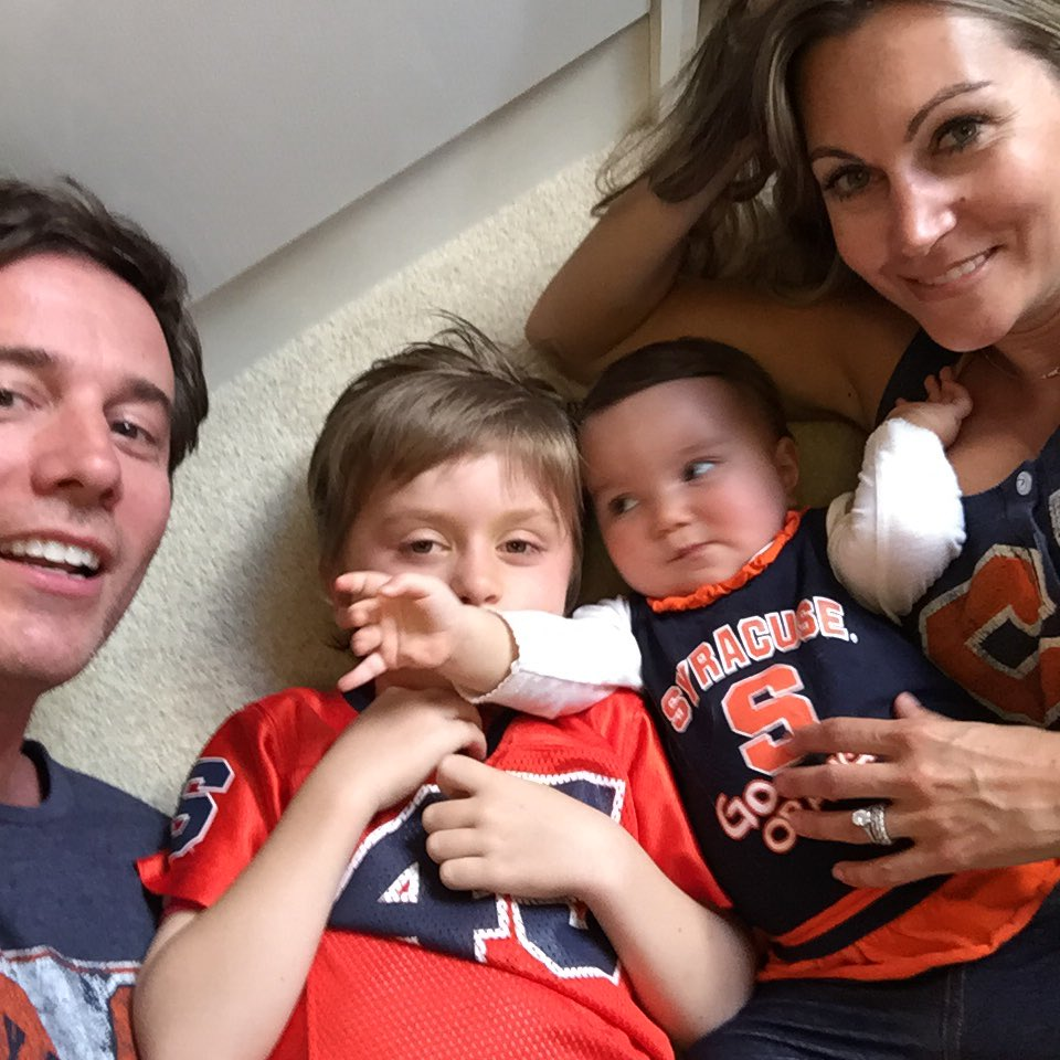 Always be reppin. #ibleedorange #syracuse #marchmadness #finalfour #OrangeNation @jeffglor @SyracuseU @Cuse_MBB https://t.co/VxXyE44C3W