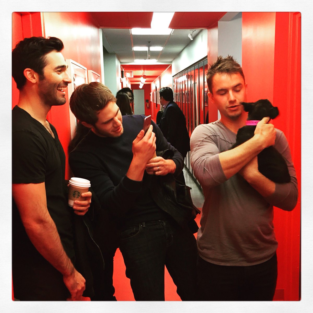 We met @TylerL_Hoechlin, @Blake_Jenner and @will_e_brittain while promoting @EWSMovie. They just loved our pup Lucy! https://t.co/g5OYP3Rg25