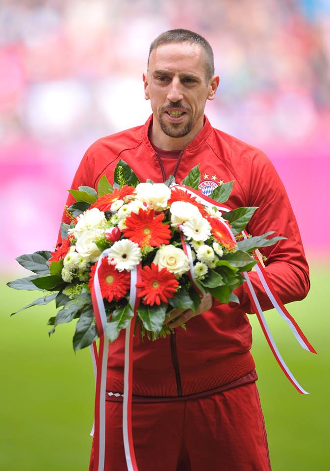 [7] [Mittelfeld] Franck #Ribéry  - Page 24 CfEflDHWAAEUut9