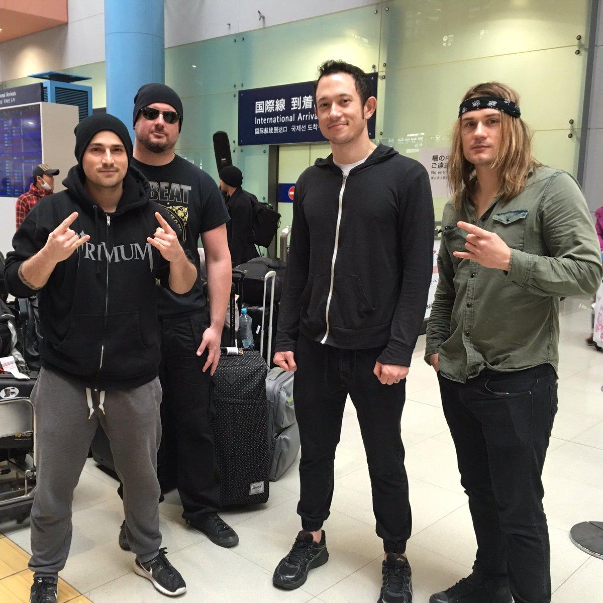トリヴィアム一行、UKからの長旅を終えて無事に大阪入りしました。ライブは明日です!@TriviumOfficial have arrived in Osaka!  #TriviumJapan2016 https://t.co/8NKsN5raPa