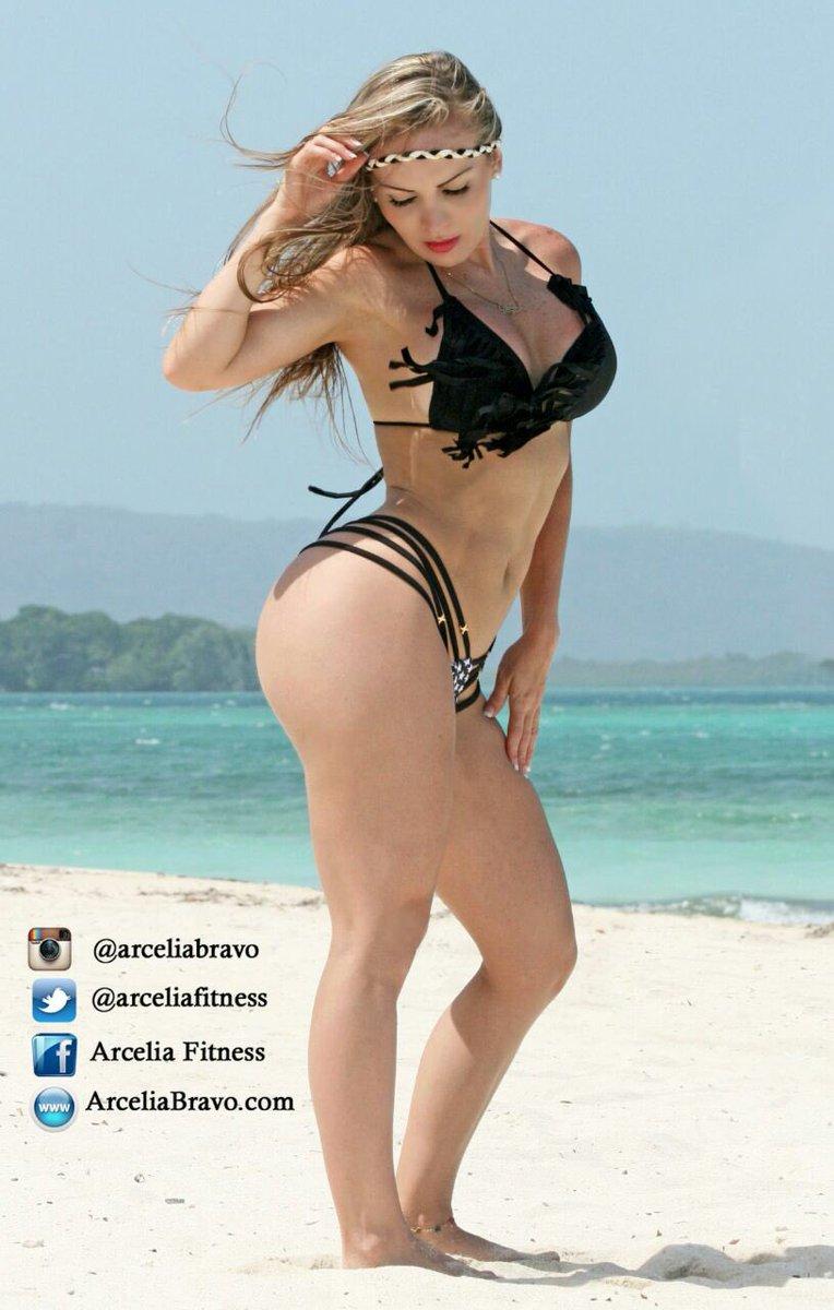 Arcelia Bravo Nude Photos 17
