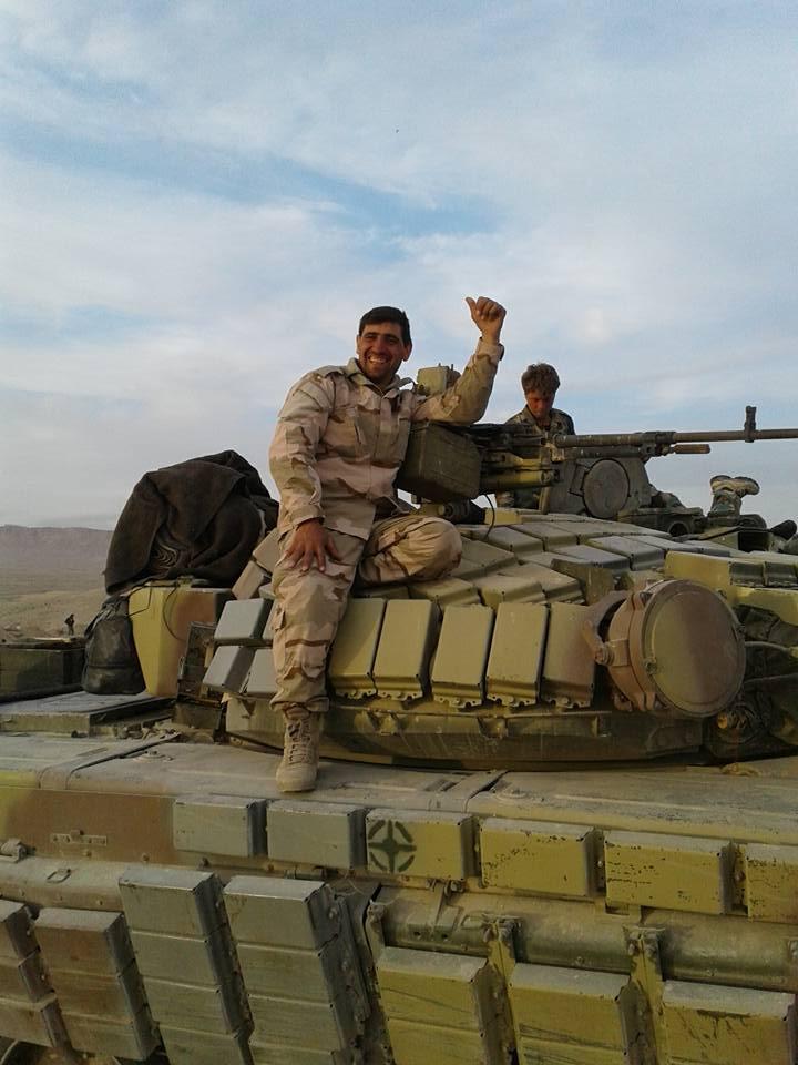 الجيش السوري يبدأ رسميا باستخدام دبابات T-72B  CfGKmiOXIAEoZJZ