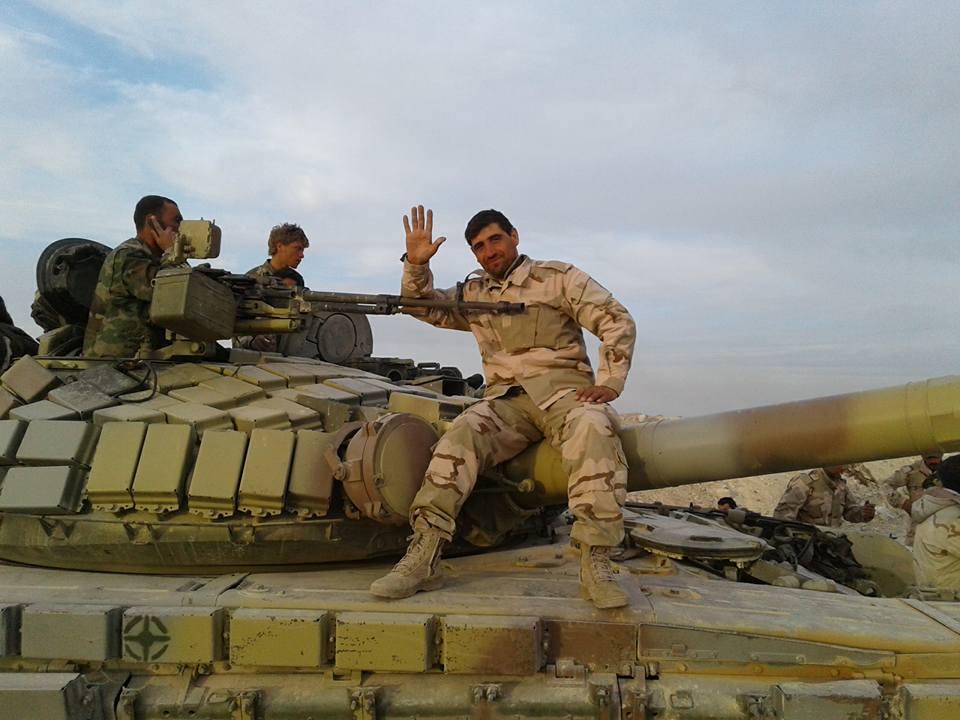 الجيش السوري يبدأ رسميا باستخدام دبابات T-72B  CfGKmifWwAAFrJa