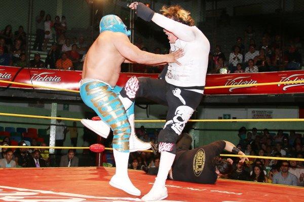 CMLL: Una mirada semanal al CMLL (del 31 de marzo al 6 de abril de 2016) – Rush va por Corleone, Bucanero retiene en aniversario de la Coliseo, Esfinge se lleva la Gran Alternativa, LA Park en Elite y mucho más... 6