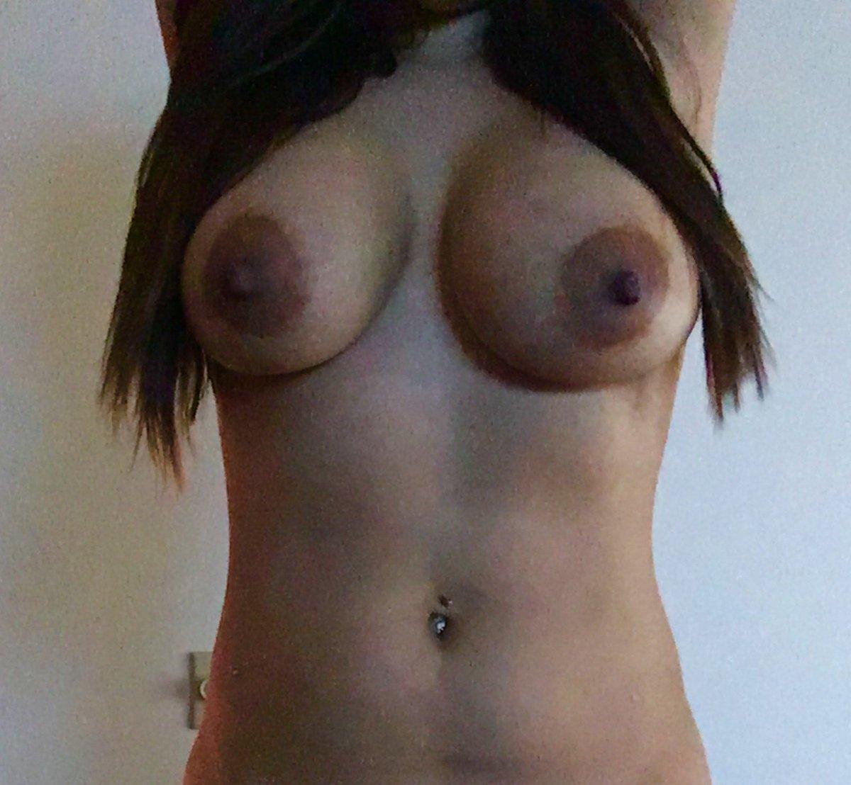 Nude Selfie 4423