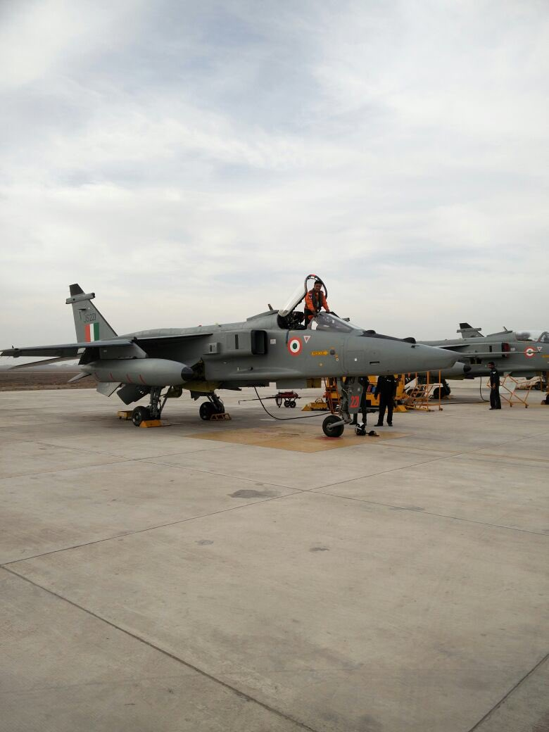 Indian Air Force (IAF): News - Page 8 CfGlhjzUsAE-xsf