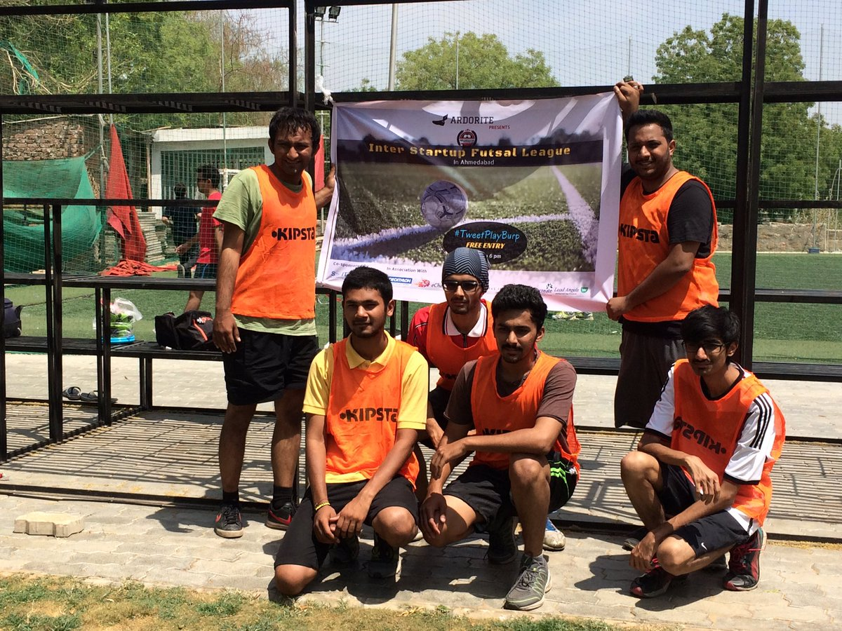 The enthu cutlets of team @ConverzaApp #TweetPlayBurp #futsal #startups #ahmedabad #AEFest https://t.co/9hnmLQN8Dq