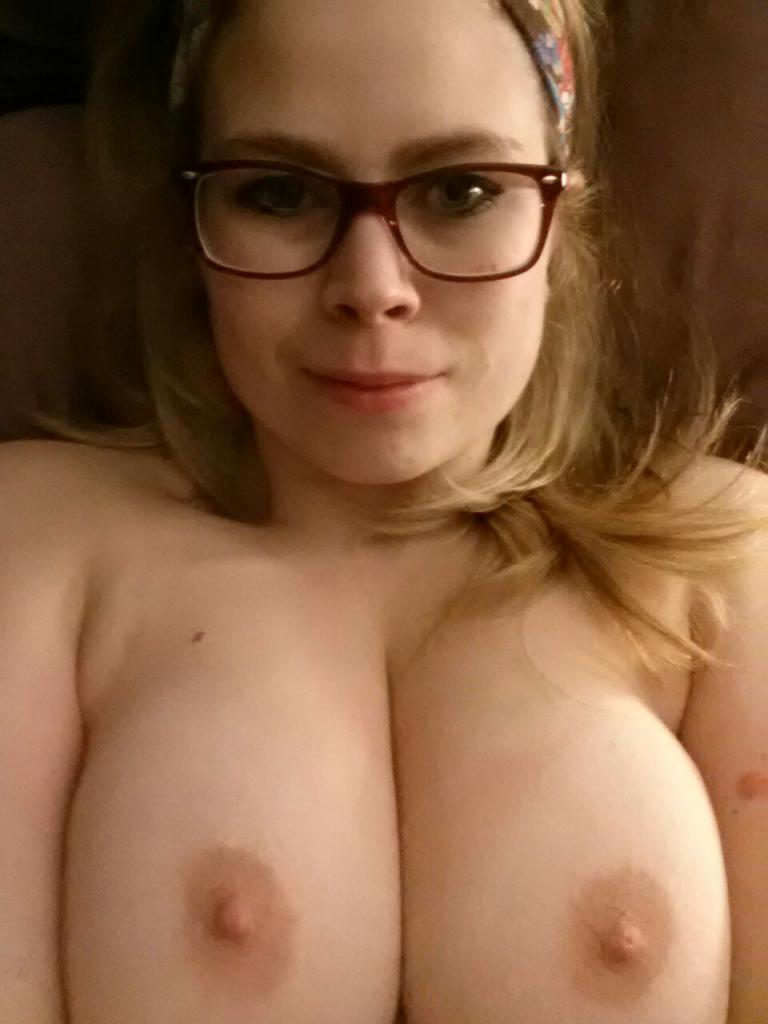 Nude Selfie 4446