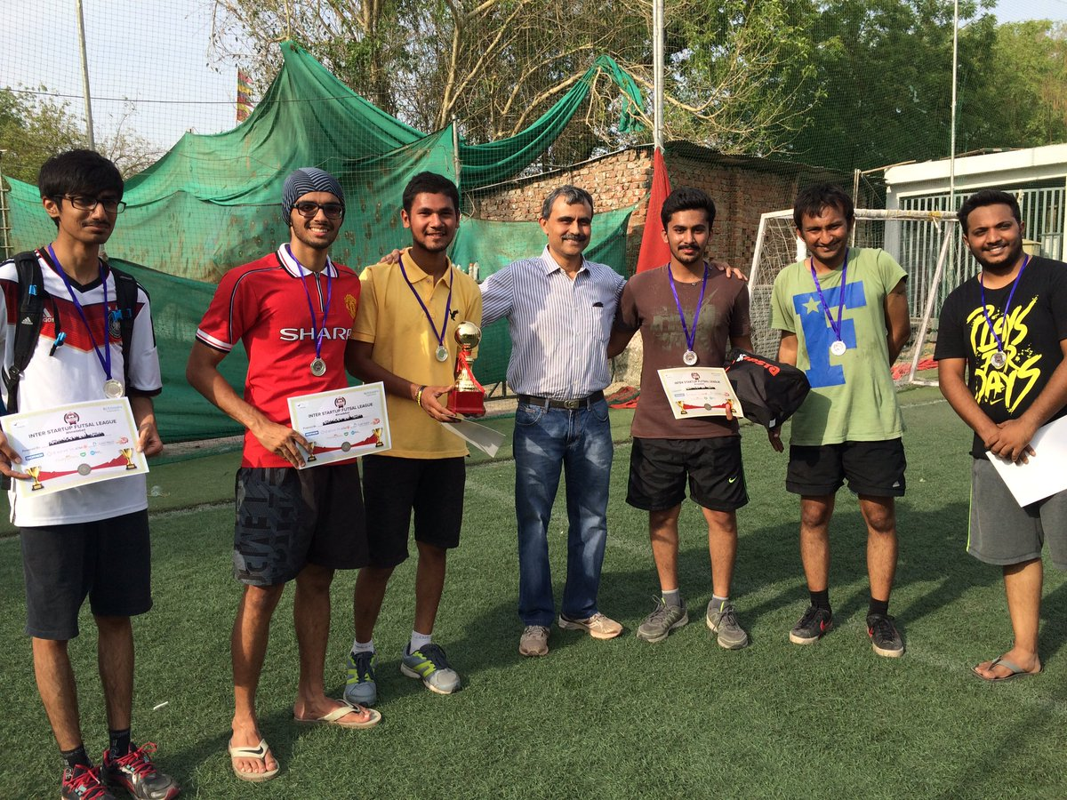 The runners up @ConverzaApp with @LeadAngels #TweetPlayBurp #futsal #startups #ahmedabad #AEFest https://t.co/6d3n9ObFY4