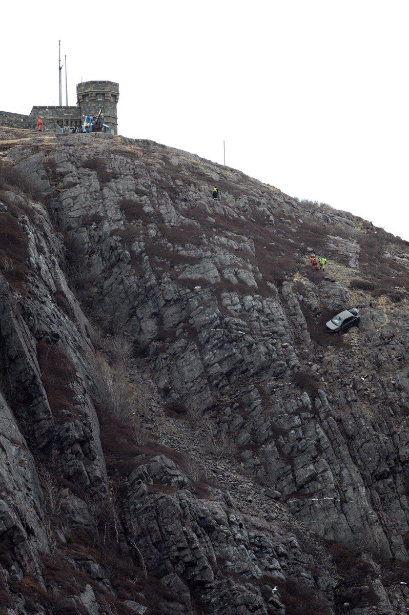Olivia Chew Oliviafjr Twitter - Car signal hill