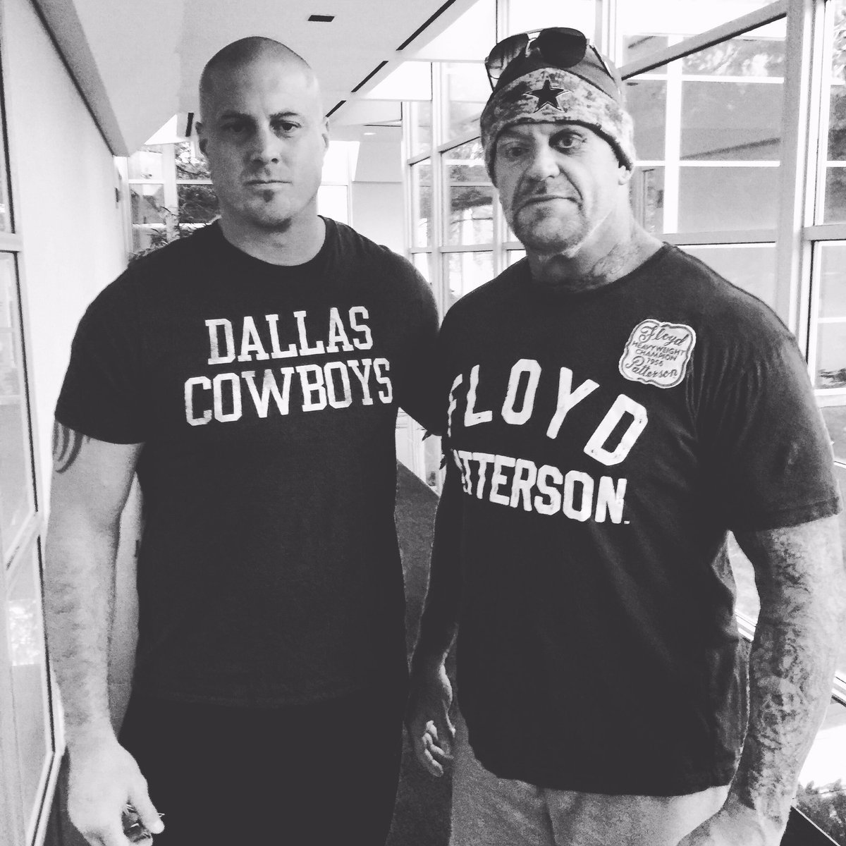 The Undertaker!  #WrestleMania @dallascowboys https://t.co/ecgdQMq7nB