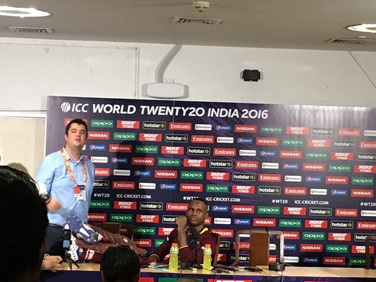 Marlon Samuels has come for a presser with legs on the table... https://t.co/6YOK74ZwOF