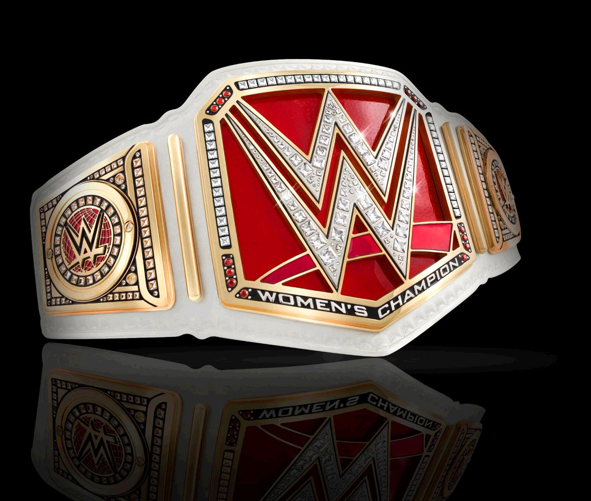الإعلان رسميا عن إطلاق بطولة نساء WWE CfJthrCWQAA92Le