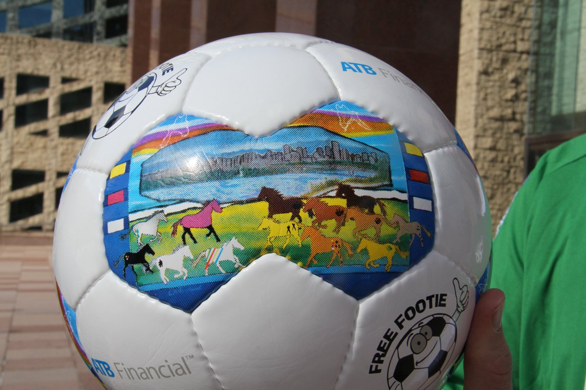 Free Footie program creates Treaty Six soccer ball. https://t.co/UzRoy5i3zA #yeg https://t.co/GjEs1V653E