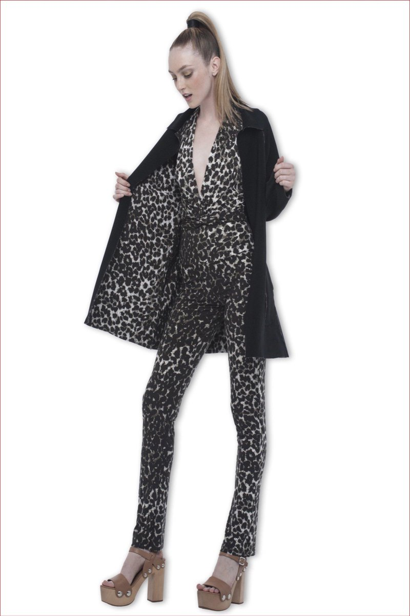 Jinjoo lee from @dnce wore a #normakamali resort 2016 leopard outfit ...