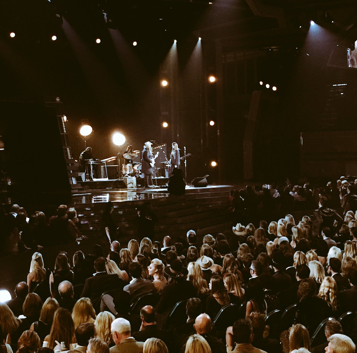 Well-deserved #MaleVocalistOfTheYear win! We  @ChrisStapleton!!! #ACMs<br>http://pic.twitter.com/pjGnmW9DF4