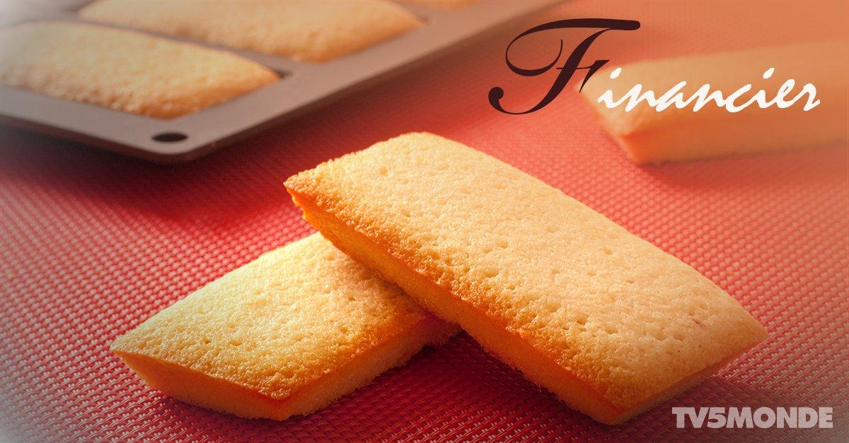 버터의 향과 풍미가 일품인 '피낭시에'는 불어로 금융가를 뜻하는데요, 파리의 주식거래소에서는 이 금괴 모양의 피낭시에를 새해에 딜러들끼리 선물하는 풍습이 있었다고 합니다^^ https://t.co/yhH3M6pgfN