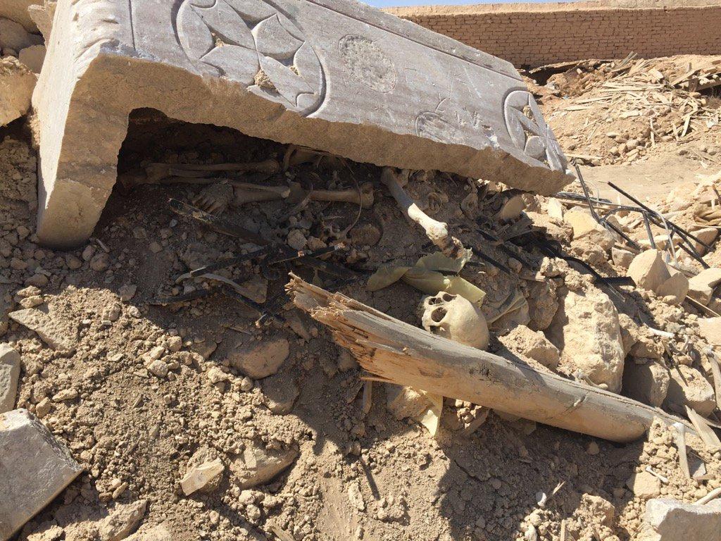 The bones of Christian saints in the rubble of St Eliane monastery in #Qaryatayn. #ISIS blew it up last August. https://t.co/Htyipk1k6I