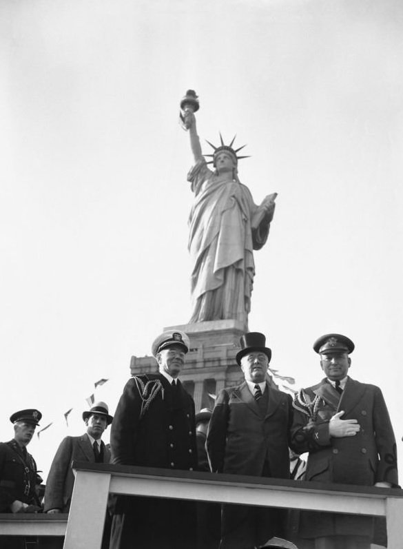 #OTD in 1945 #FDR dies. During his Presidency he transferred the #StatueofLiberty and Bedloe's Island to the #NPS.