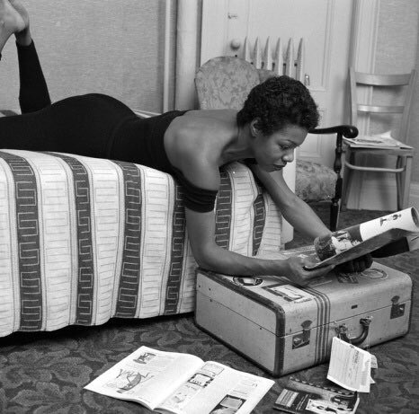 "If you listen to anything today, let it be this. Maya Angelou recites ""Phenomenal Woman"": https://t.co/q1hslQFhBE https://t.co/nAN8s0bee7"