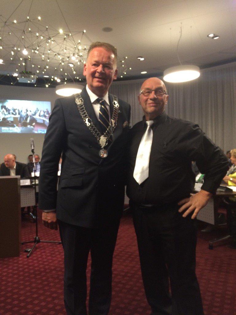 Eindelijk: de nieuwe keten voor de nieuwe burgemeester, gemaakt door Dick vd Lagemaat en zijn team. Prachtig! https://t.co/Wib8gKVNwh
