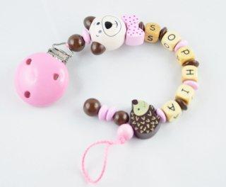#babygeschenke mit Namen bei http://www.babysladen.de #ichwerdemama #schnullerkettenpic.twitter.com/4NFZR5Ff9e
