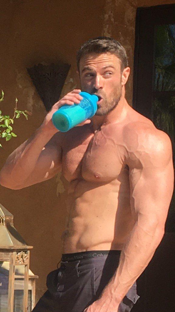 jimmykimmel - Chad Johnson - Bachelorette 12 - *Sleuthing -  Spoilers*  CfPzeBQVIAEWJNk