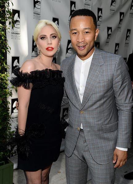 Lady Gaga  CfQfZmxXIAAknU4