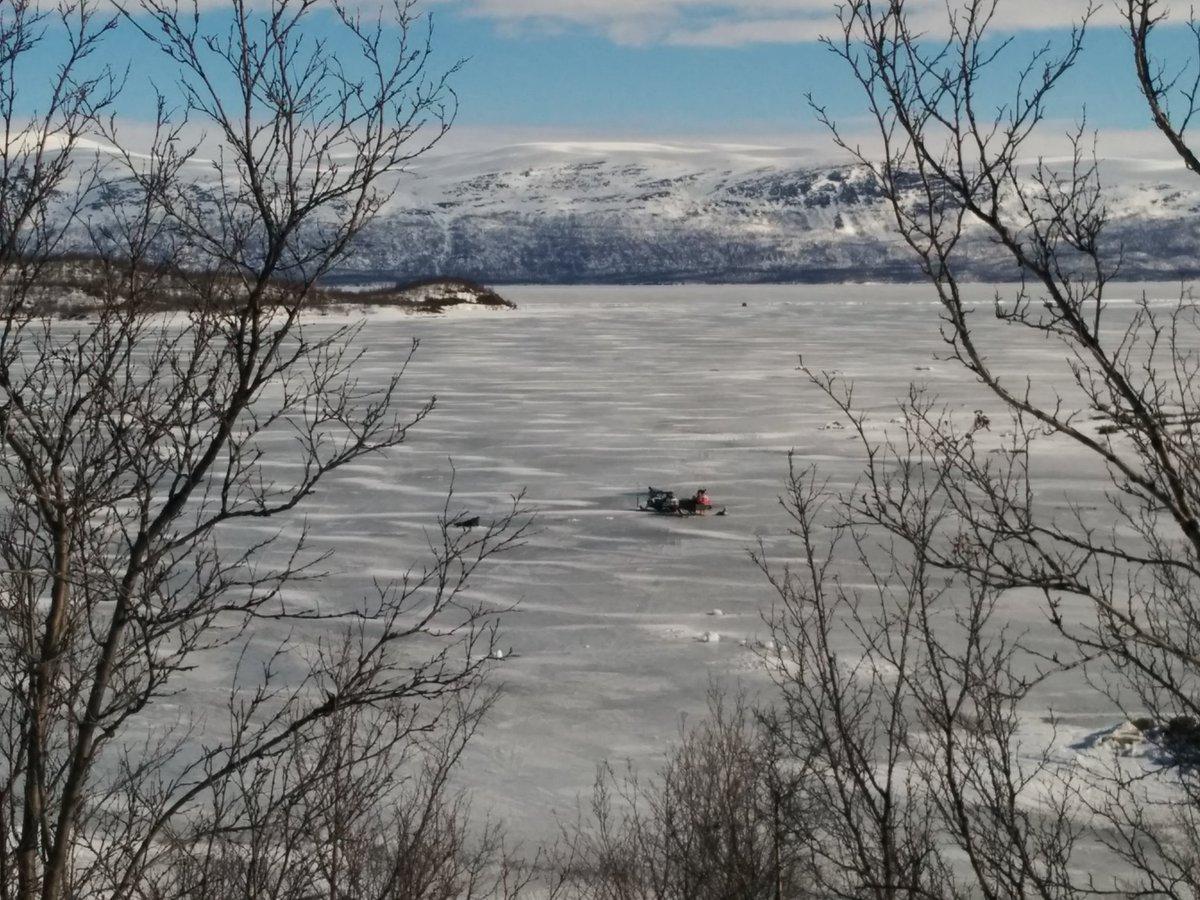 The #Abisko #pps2016 @polarprediction  mast site on Tornetrask (frozen) lake https://t.co/31A8y5CF16