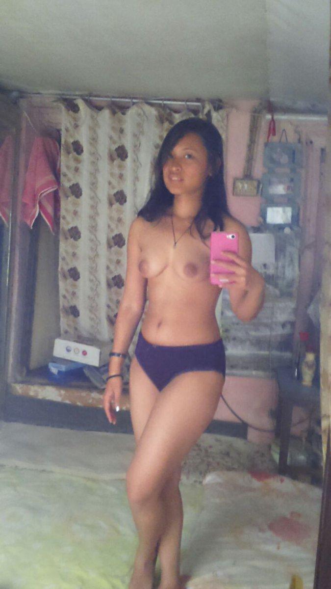 Nude Selfie 4472