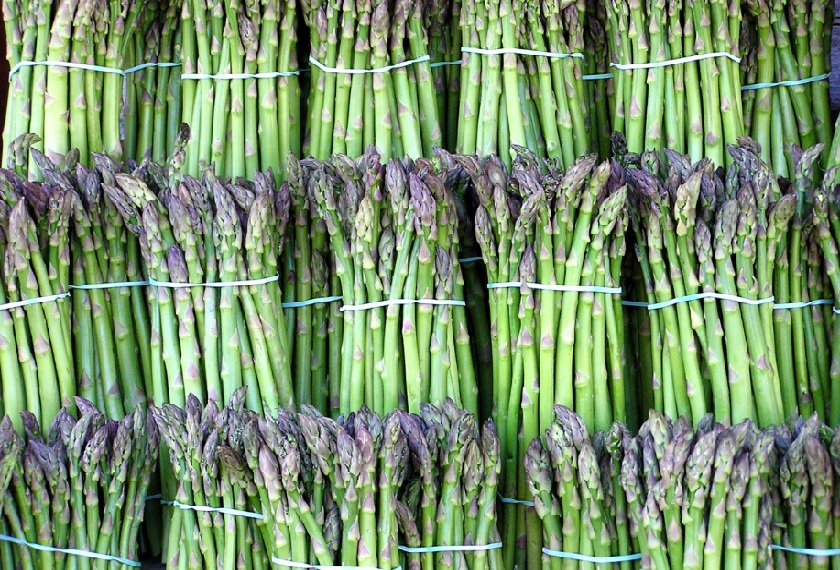 What's in Season for April! Everything from Asparagus, to Sping Lamb and Rhubarb. https://t.co/NIZNr607Ok https://t.co/D8rWzRbGz2