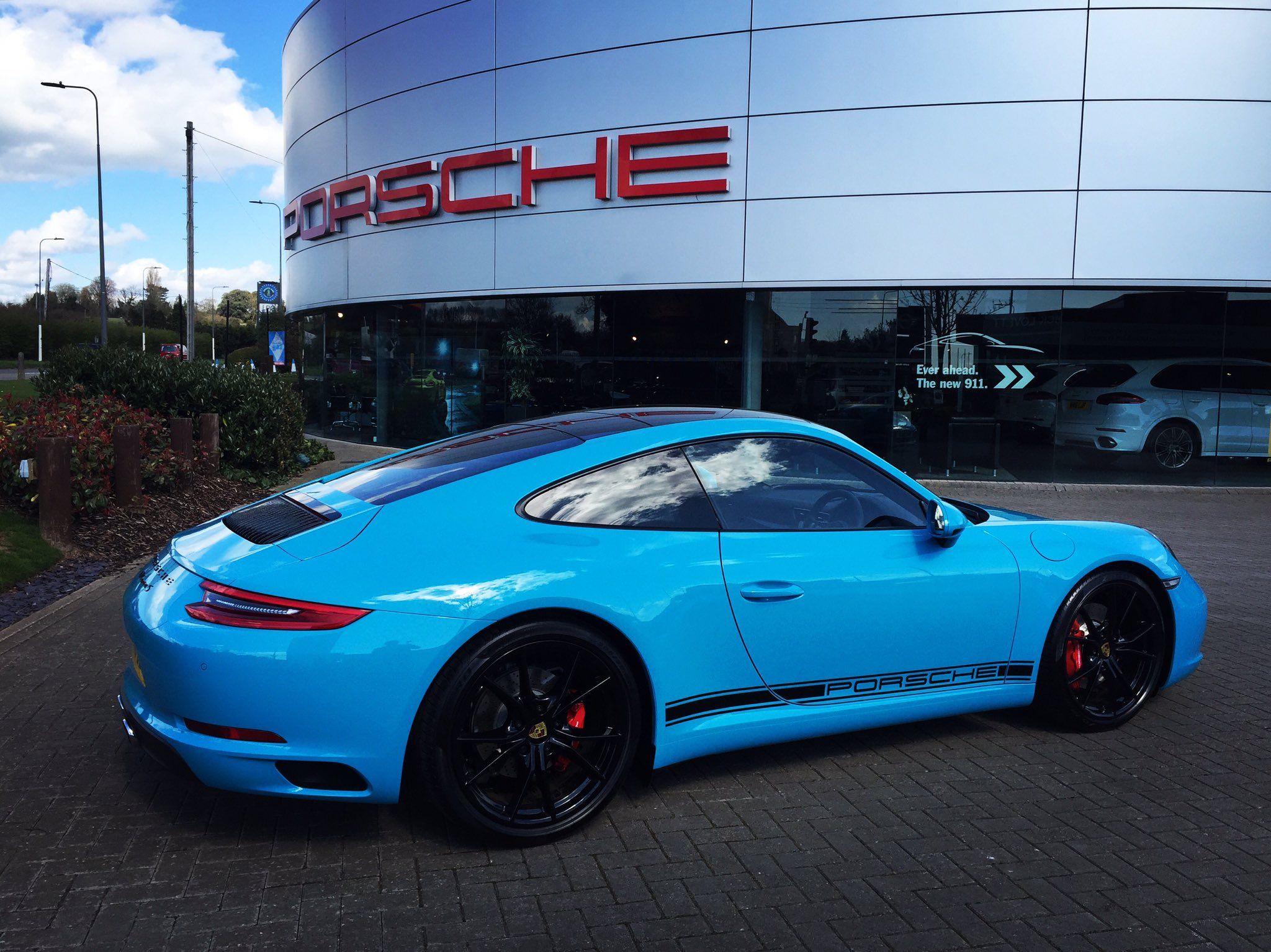 dick lovett on twitter simply amazing miami blue porsche. Black Bedroom Furniture Sets. Home Design Ideas