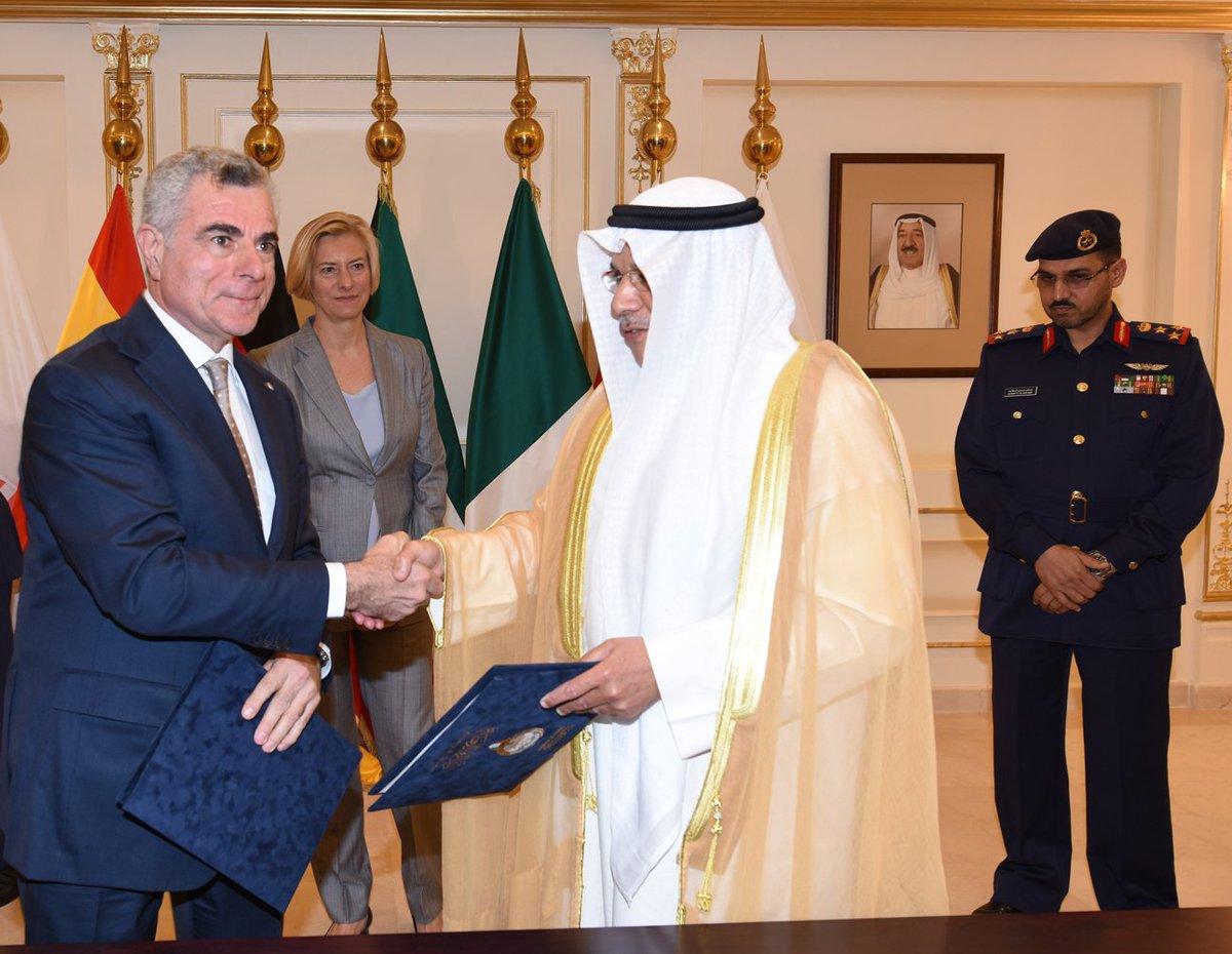 رسمياً: الكويت توقّع عقد الحصول على 28 مقاتلة يوروفايتر تايفون CfSvTisUAAAwh9o