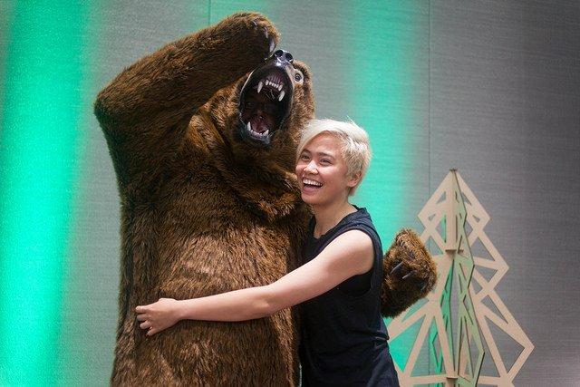human hugs bear