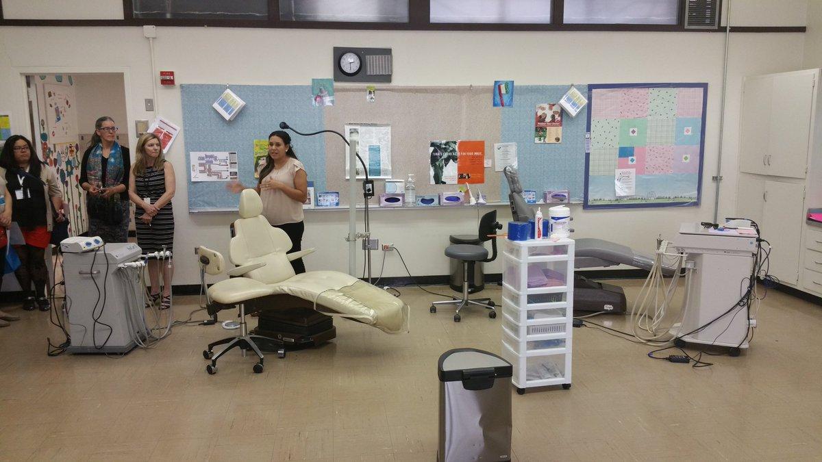 "Dental Clinic at Van Buren Middle School. Principal ""Communication between teachers & SBHC staff is key."" #CSRising https://t.co/dkzuACvzAO"