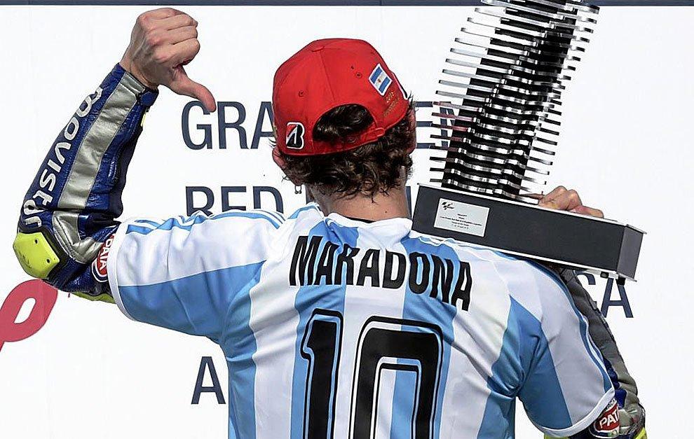 """Valentino Rossi, Lionel Messi, Diego Armando Maradona uniti per """"Fuck the cancer 1.0"""""""