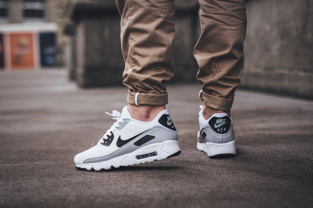 Nike Air Max 90 Ultra Essential (White Black Wolf Grey)