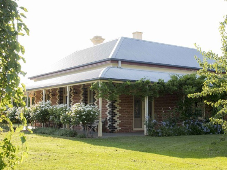 'Clifton Park' is only minutes from Cobram, offering a rural lifestyle that is to be envied by many. #murrayriver https://t.co/iLFhrBwvPz