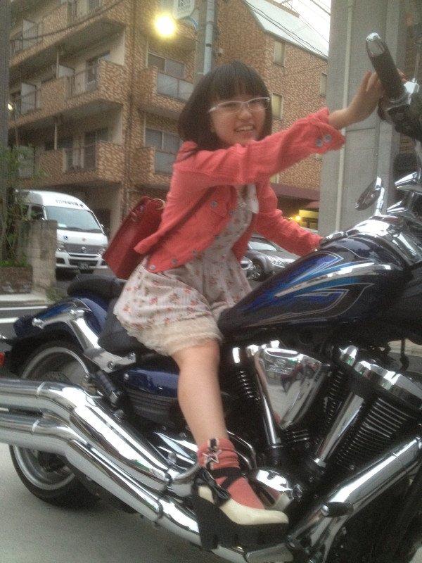 小学生がバイクに乗っている通報をうけて 出動したゆいゆい警察