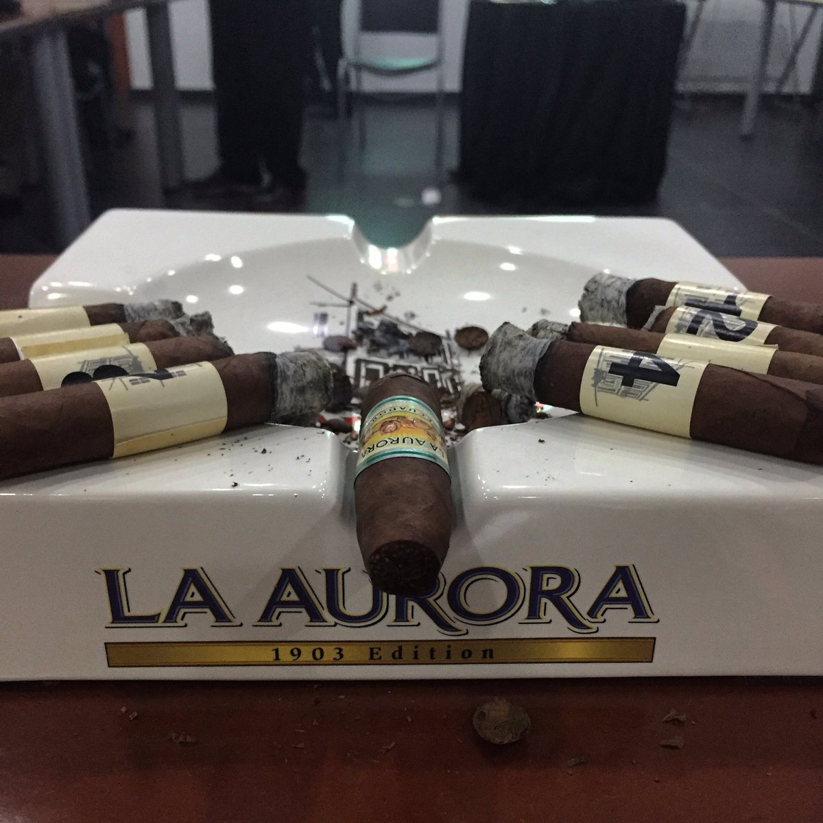 In #LaAuroraTraningKit you'll find four cigars pure grade, with which you will learn to taste flavors and odors. https://t.co/8sybpjV3x6