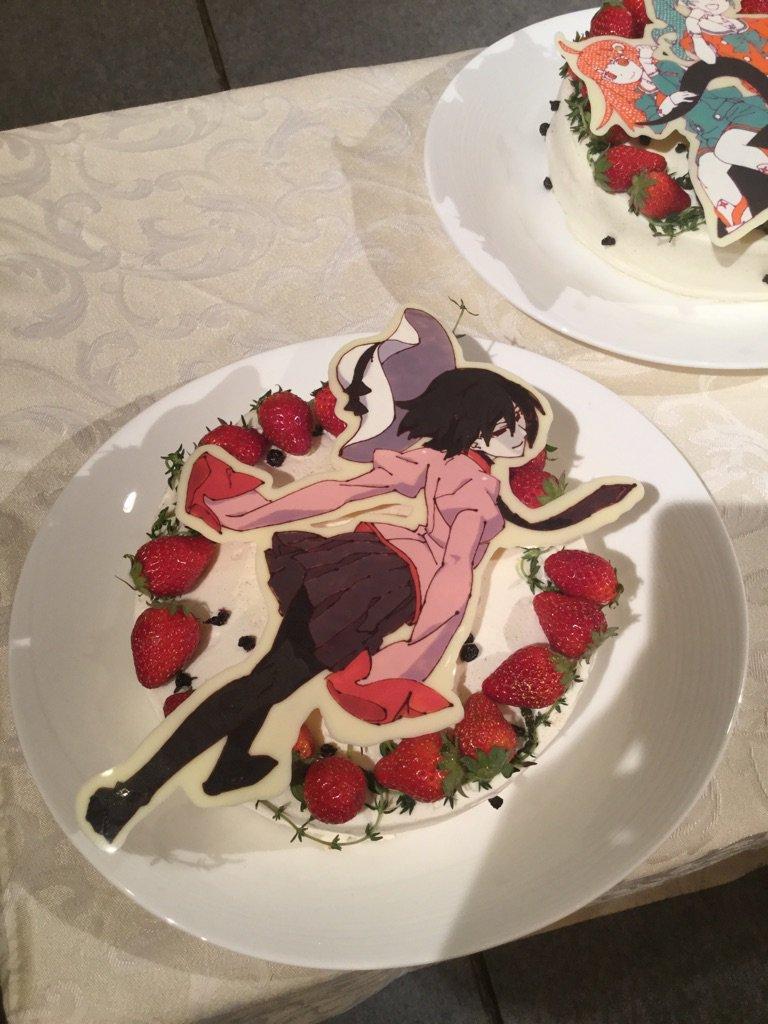 会場にはシリーズのヒロイン達のデザインケーキがずらーり!なんて豪華な…!!老倉育さんが出会った事のないキャラクター達が沢山いました。 pic.twitter.com/IQzRCwy129