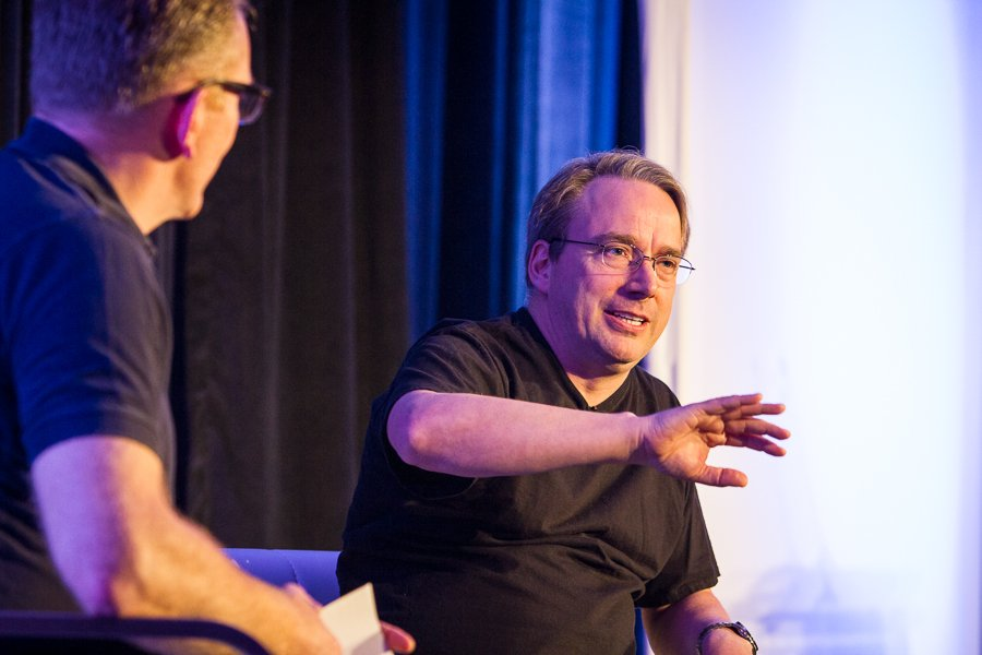 Linus Torvalds isn't worried about #IoT security https://t.co/ddxRa7MYKK via @CIOonline @linuxfoundation @dhohndel https://t.co/NBoEGXWtsF