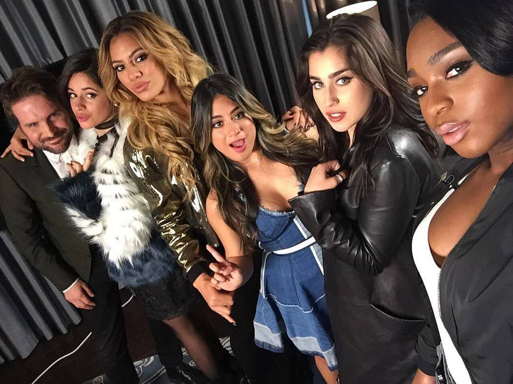 Those @fifthharmony girls decided #SixthHarmony is better & kidnapped me #FifthHarmony cha… https://t.co/3gjSfO4lgY https://t.co/iElDAV2lL3