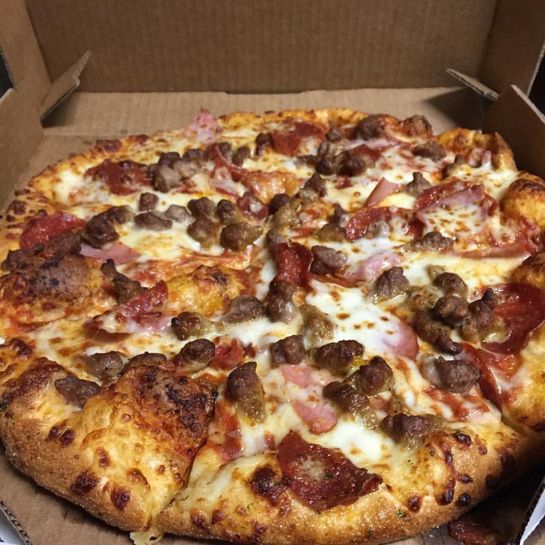 want some pizza? https://t.co/gxP75dwDRN #pizza