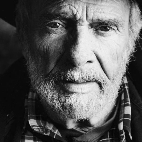 We lost a legend today.... A true inspiration to all of us.... Our prayers are with his entire family.... RIP Merle. https://t.co/SnFseLU2Dk