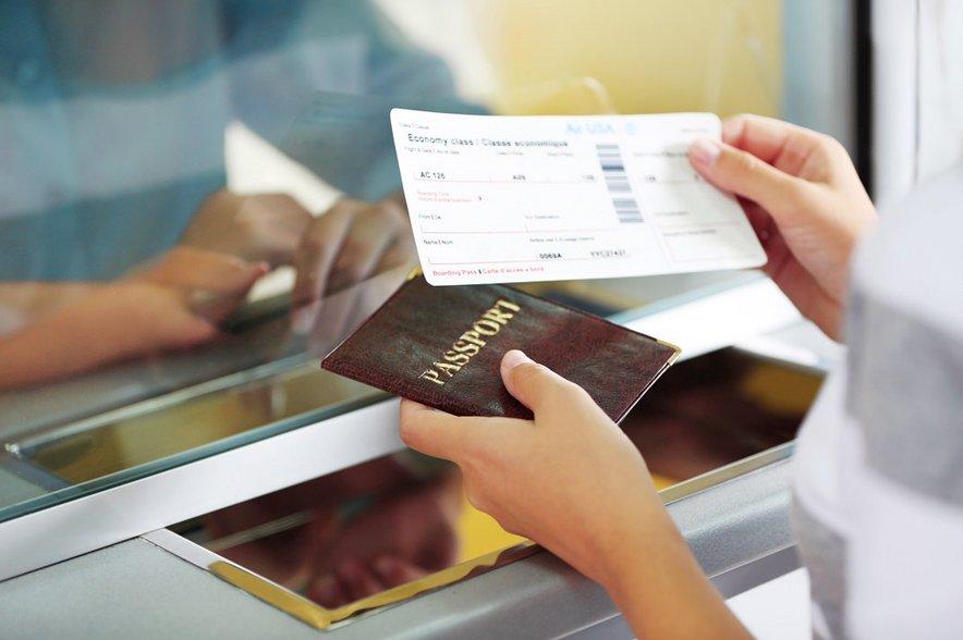 Da oggi si vola con il registro dei passeggeri aerei (Pnr)