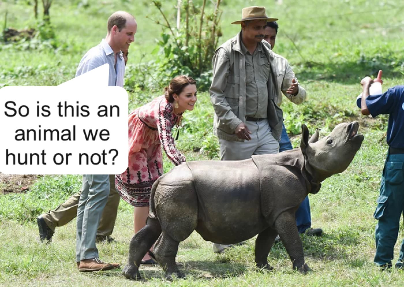 William and Kate feed baby rhinos and elephants in animal sanctuary. https://t.co/Q4gBM4UVZn