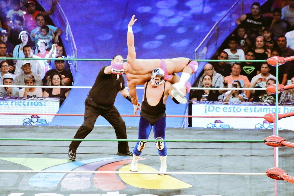 CMLL: Una mirada semanal al CMLL (del 31 de marzo al 6 de abril de 2016) – Rush va por Corleone, Bucanero retiene en aniversario de la Coliseo, Esfinge se lleva la Gran Alternativa, LA Park en Elite y mucho más... 20